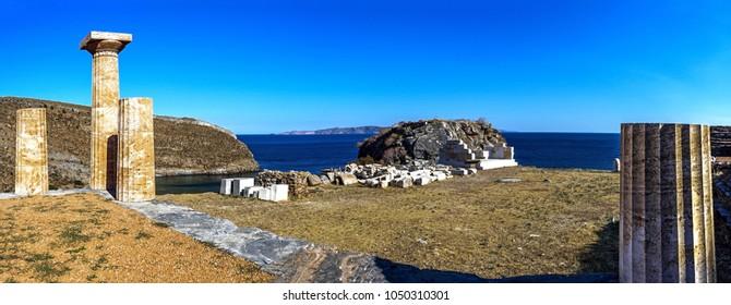 ruins of the temple of Apollo (530 BC), in ancient town Karthea, Kea island, Greece, Europe