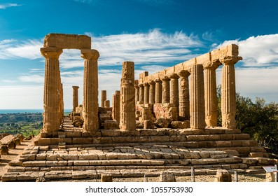 The ruins of the temple of Juno, in the Valley of the Temples, in Acragas, an ancient Greek city on the site of modern Agrigento, Sicily, Italy.