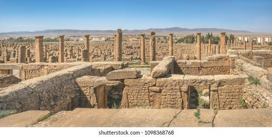 Ruins of Timgad, a Roman-Berber city in the Aures Mountains (Colonia Marciana Ulpia Traiana Thamugadi), Algeria