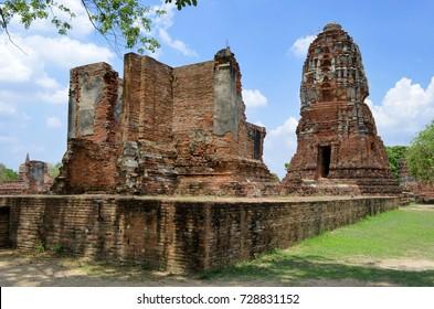 Ruins at Wat Mahathat in Ayutthaya, Thailand