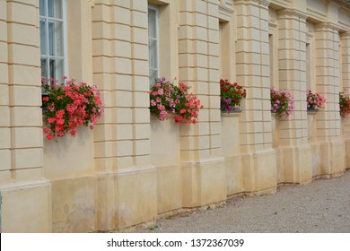 Rundales Pils, Rundale palace, manor, building fragment, flower pots