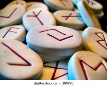 runes macro