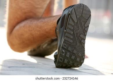Runner in start position