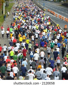 Runners pack the streets of New York City during the 2006 ING New York City Marathon