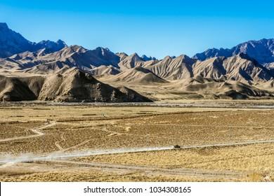 Running cars on the Gobi desert