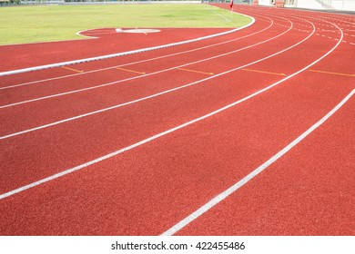 Running track for athletics and competition