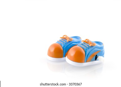 Running-shoes as a toy to wind up