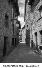 Rupit old houses on a black and white