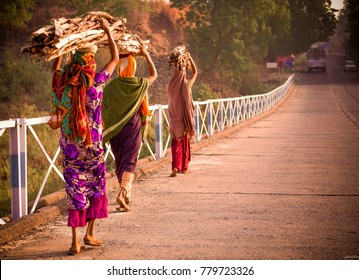 A rural view of the rural Gujarat, on the way to Zarwani Waterfalls, Baroda