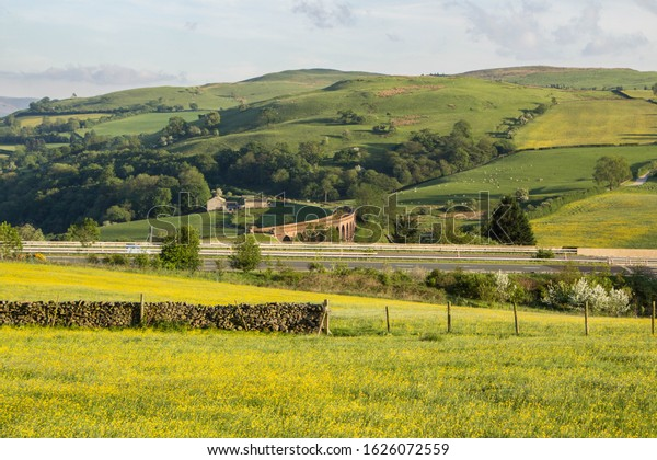 rural-view-yorkshire-dales-national-600w