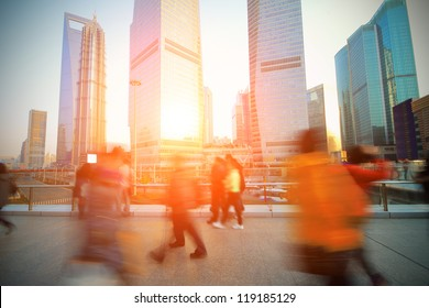 The rush of  people on the Shanghai Lujiazui flyover