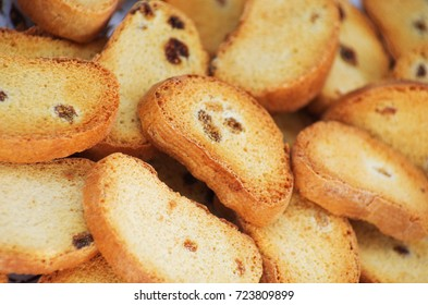 Rusks with raisins