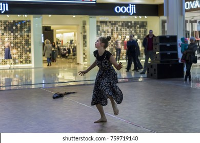 Russia, Ivanovo, November 19, 2017 Modern dance at the Mall, competition
