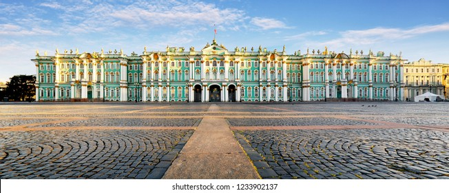 Russia - St. Petersburg, Winter Palace - Hermitage at day, nobody