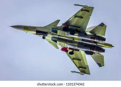 a Russian fighter jet, airplane, no coloration, SU-30