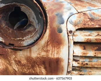 Rusted out old Truck Grill