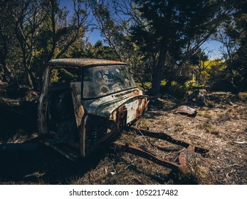 Rusted truck, Blue mountains
