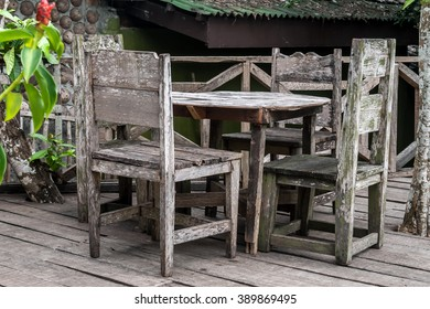 Rustic dinning table with chairs