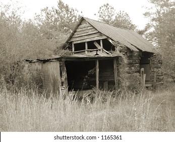 Rustic duotone of a Georgia barn