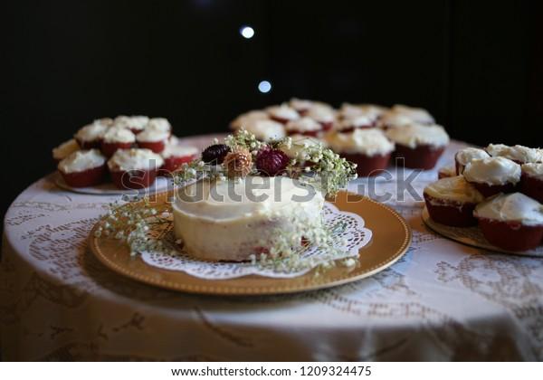 Red Velvet Wedding Cake.Rustic Red Velvet Wedding Cake Cupcakes Stock Photo Edit