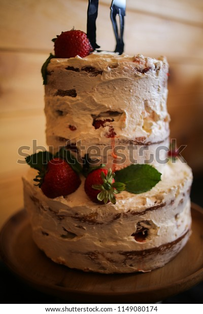 Swell Rustic Strawberry Shortcake Wedding Cake Hiker Stock Photo Edit Funny Birthday Cards Online Elaedamsfinfo