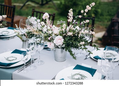 Rustic style wedding table decoration