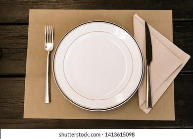 rustic summer party dish set at a restaurant