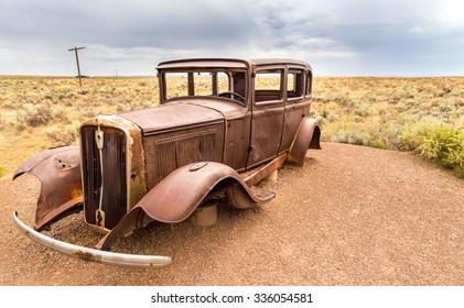 Rusty car in the Arizona's desert