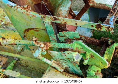 Rusty old industrial gears in a deactivated machanical system