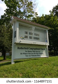 """Rutherford, New Jersey / USA - August 26 2018: The sign on the lawn of the Congregational Church asserts, """"The Best People Are Not Corrupt""""."""