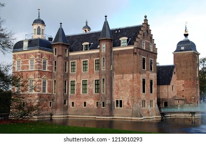 Ruurlo Castle in the Achterhoek region of the eastern Netherlands is the second location of Museum MORE with a collection focused on the life and work of the master artist Carel Willink