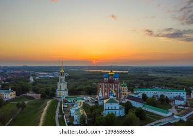 Ryazan attraction-the Kremlin in the spring at sunset