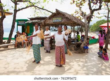 SABANG, PHILIPPINES-MARCH 27, 2016: Tagbanuas doing their traditional Sayusad dance on March 27, 2016. Sabang village , Palawan isalnd, Philippines.