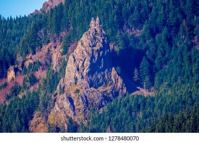 Sacagawea and Papoose Rocks, Washington