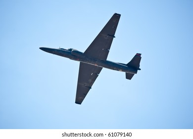 SACRAMENTO, CA - SEPT 11: Lockheed Martin U-2 Dragon Lady military surveillance aircraft flies at California Capital Airshow, September 11, 2010, Mather Airport, Sacramento, CA