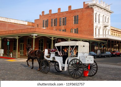 Sacramento, CA, USA February 13, 2007 A horse drawn carriage takes visitors on a tour of the historic Old Sacramento, in Sacramento, California