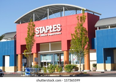 SACRAMENTO, USA - SEPTEMBER 23:  Staples store on September 23, 2013 in Sacramento, California. Staples Inc. is a large office supply chain store.