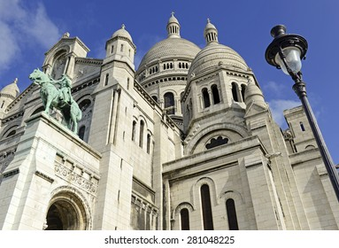 Sacre-Coeur Church situated on top of Butte Montemartre, in Paris, France