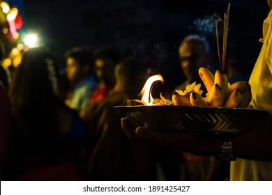 The sacrifices made by Hindus during the Thai Pusam Festival consist of bananas, fresh flowers, half of coconut that are set on fire and incense.