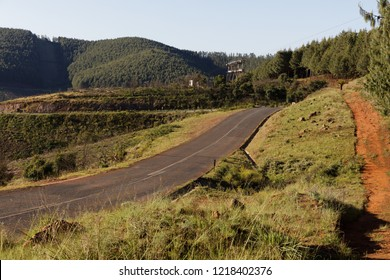Saddleback Pass (R40) with view on to decommissioned Bulembu-Barberton Cableway. Mpumalanga, South Africa