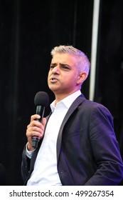 Sadiq Khan, Trafalgar Square, London, UK. 16th October 2016. Sadiq Khan mayor of London opens Diwali on the Square, Indian Dewali celebration in Trafalgar Square.