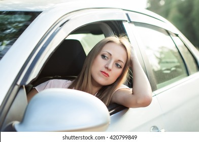Sadness, the driver of the girl got stuck in traffic