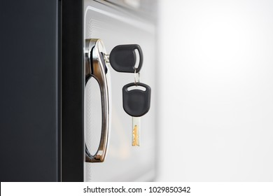 Safe deposit box with keys