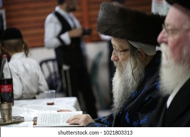 """SAFED, ISRAEL - OCT 5, 2017: The Nadvorna Rebbe (Admor, grand Rabbi) during the celebration of the """"Simchat Beit Ha'shoeva"""" (party on the Jewish holiday of Sukkot)."""