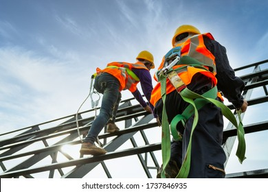 Safety body construction, Working at height equipment. Fall arrestor device for worker with hooks for safety body harness on the roof structure