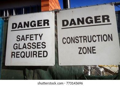 safety glasses required sign on construction site