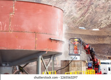 Safety of the manual sandblasting. Cleaning operations using abrasive blasting can present risks for workers' health and safety specifically in portable air blasting or blast room applications.