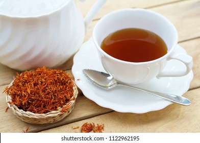 Safflower tea with Dry Safflower