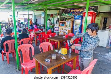SAGAING, MYANMAR - DECEMBER 5, 2016: Local eatery at Soon Oo Pon Nya Shin Pagoda on Sagaing Hill near Mandalay, Myanmar