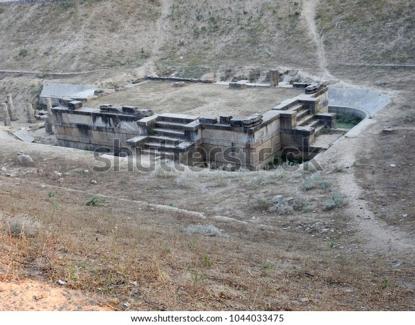 Sahasralinga Tank Platform Ancient Artificial Water Stock